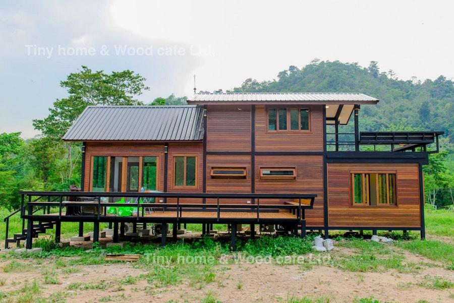 บ้านไม้โครงสร้างเหล็กขนาดชั้นครึ่ง
